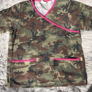 Medium- Tafford - camouflaged w pink piping-top